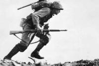 US_Marine_charges_through_Japanese_machine_gun_fire_on_Okinawa