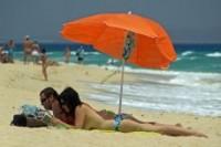 854250_sunbathers___