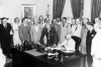 Truman_signing_National_Security_Act_Amendment_of_1949
