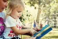 čtoucí dítě Flickr