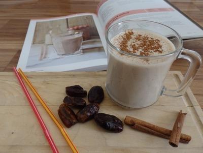 proteinový koktejl s arašídovým máslem a čokoládou