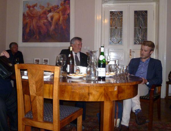Ladislav Zibura (vpravo) na představení své nové knihy