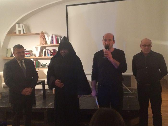 Zleva: jeho excelence Tigran Seiranian, otec Barsegh Pilavchyan, Petr Pánek a Gevorg Avetisyan