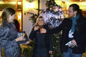 Křest knihy proběhl u vánočního stromečku v Muzeu Karla Zemana.
