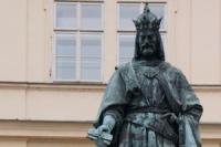 karel-iv-socha