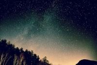nocni-obloha