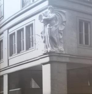 Brno uctujici