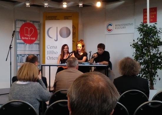 První zleva: laureátka soutěže Zuzana Kultánová