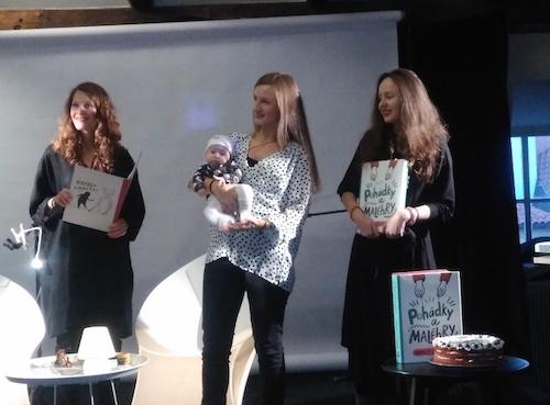 zleva Barbora Seidlová, Tereza Šmídová, Karolína Stryková